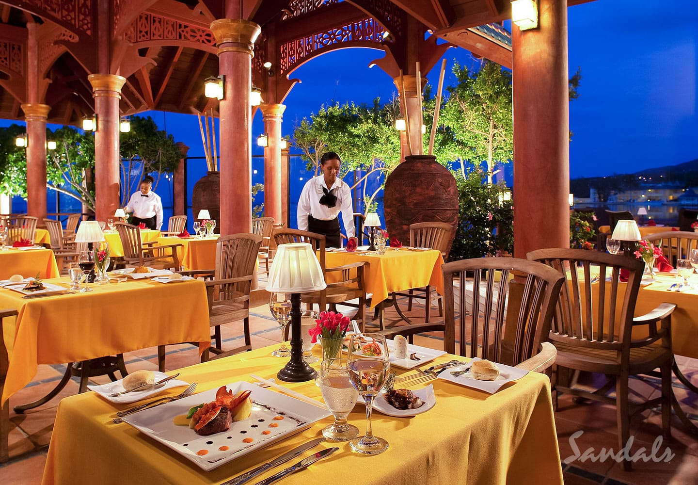 delightful dishes at the restaurants at the Sandals Royal Caribbean resort and private island