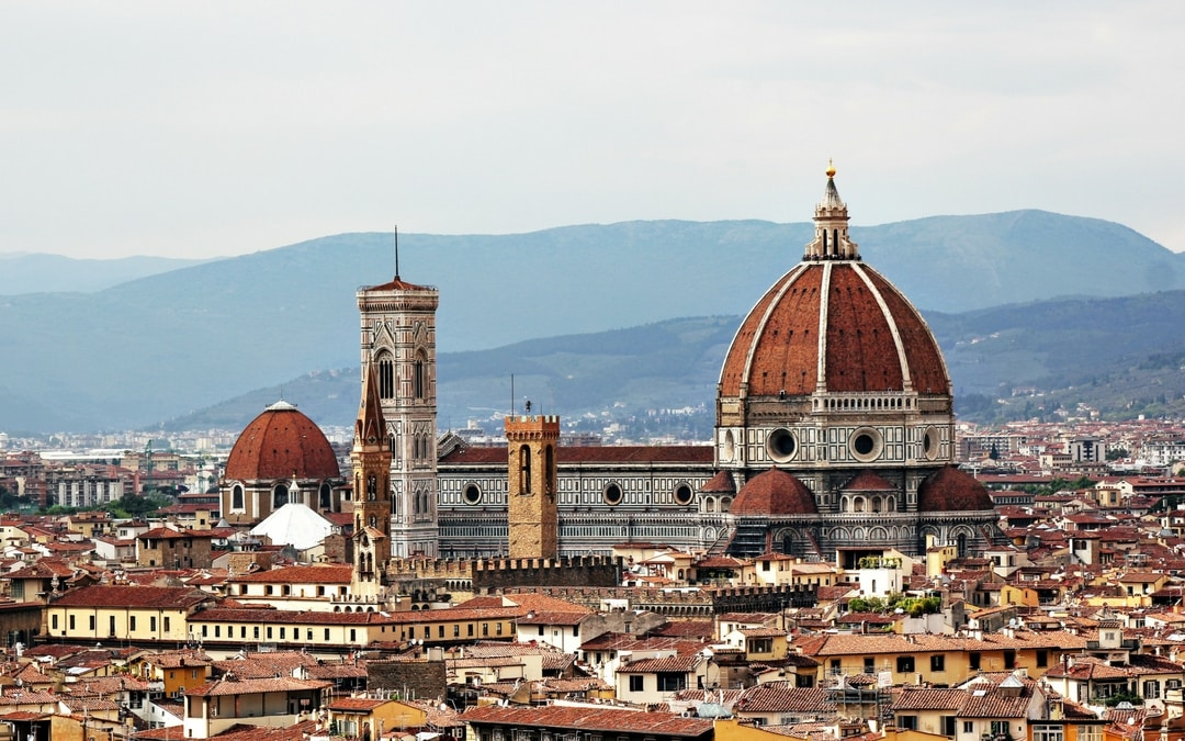 bird eye view over Florence, Italy, luxury group vacation packages, image source by jonathan korner 149032