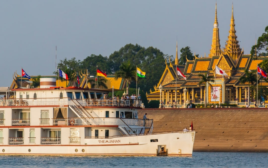 Lindblad Expeditions - National Geographic, Vietnam and Cambodia
