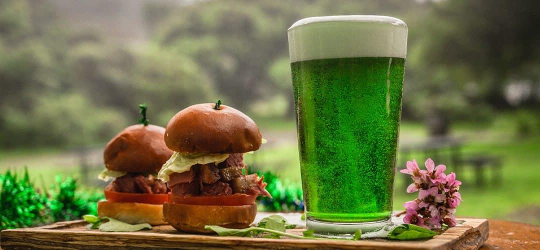 Ireland food, green beer and an Irish burger, Surf the Wave of Ireland