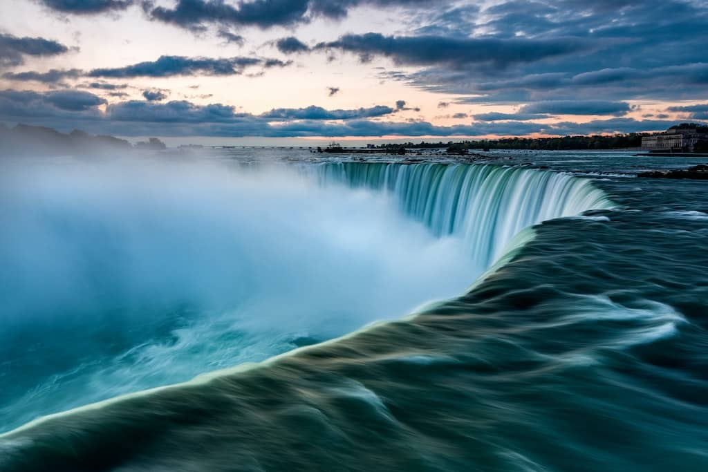 Niagara Falls - Two Countries, One Destination